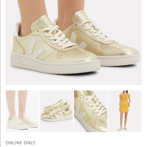 Box Veja Gold Sneakers 38 8 Intermix